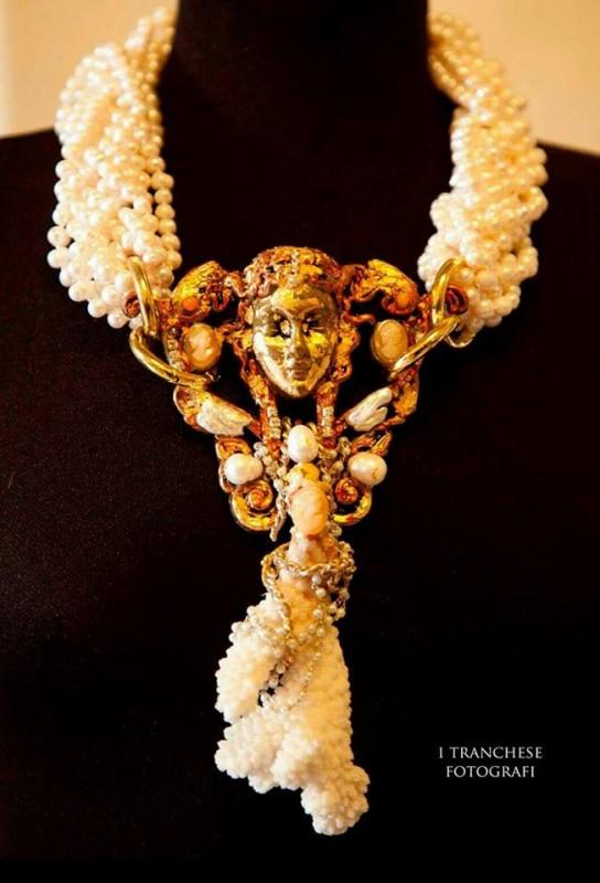 Marina Corazziari a Altaroma collier perle Gioielli Scultura - Unique Jewels handmade