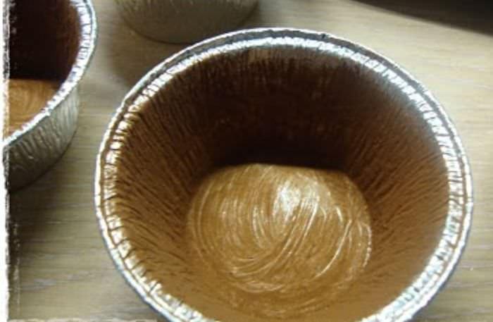 tortino al cioccolato dal cuore morbido dolce stampini mono porzione alluminio per tortini imburrati infarinato cacao