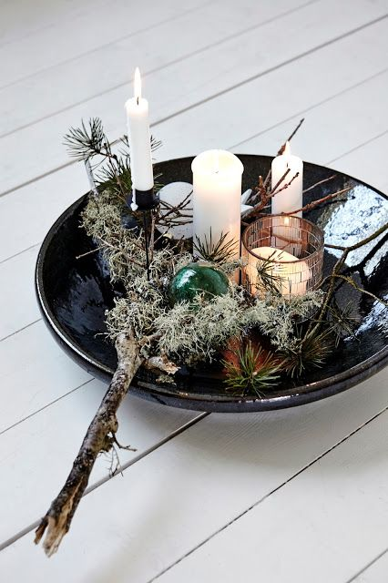 centrotavola natalizio candele ramo piatto nero Albero di Natale in stile scandinavo | Decorazioni natalizie nordiche