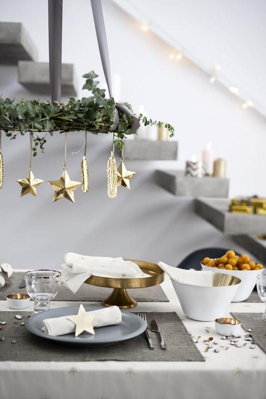 Albero di Natale in stile scandinavo | Decorazioni natalizie nordiche tavola apparecchiata stelle luci