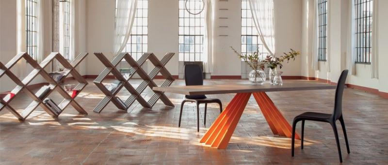 Ventaglio Tonin Casa Arredamento: vivere con stile il moderno tavolo soggiorno sedie vaso fiori