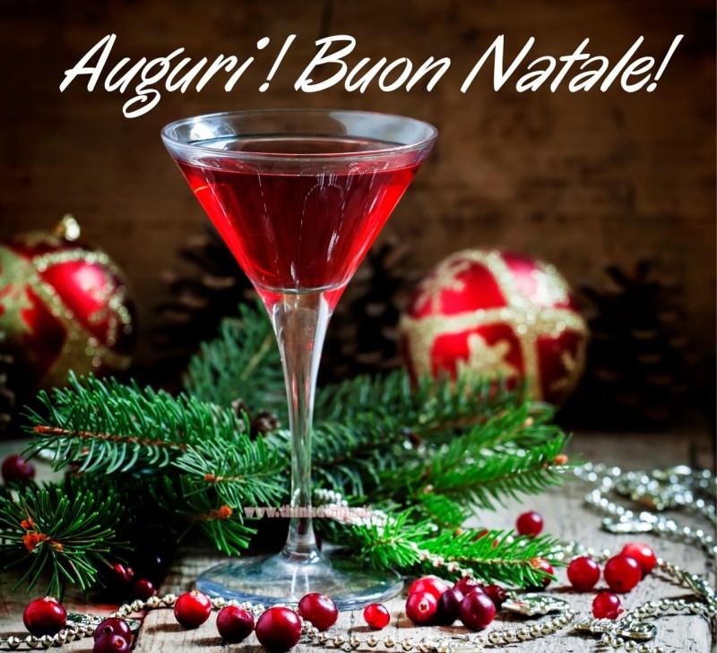 cocktail natale bicchiere martini ribes rosso auguri rami abete palline