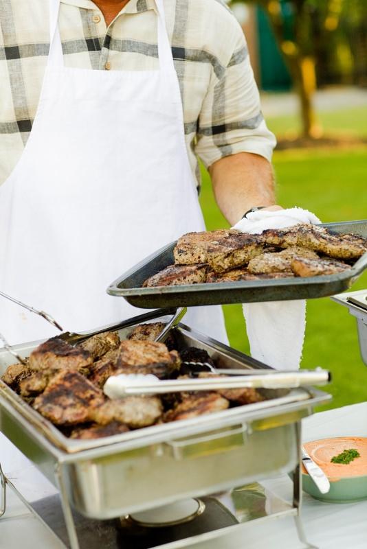 grigliata di ferragosto grill carne pinze grembiule