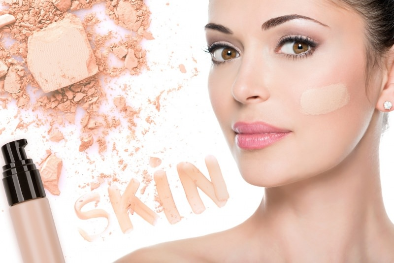 pelle viso donna fondotinta cosmetici