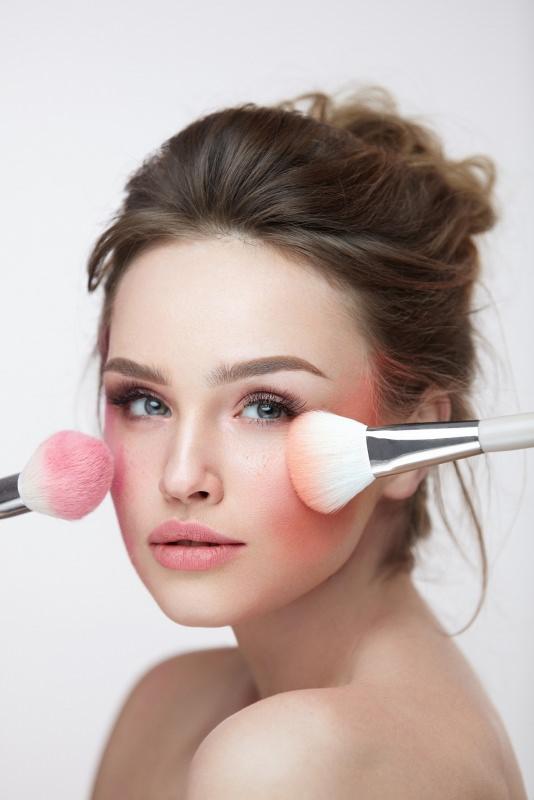 viso donna bellissima pennello blush fard