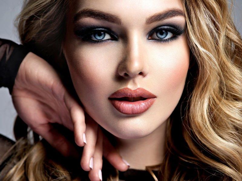 viso donna bellissima trucco perfetto make-up