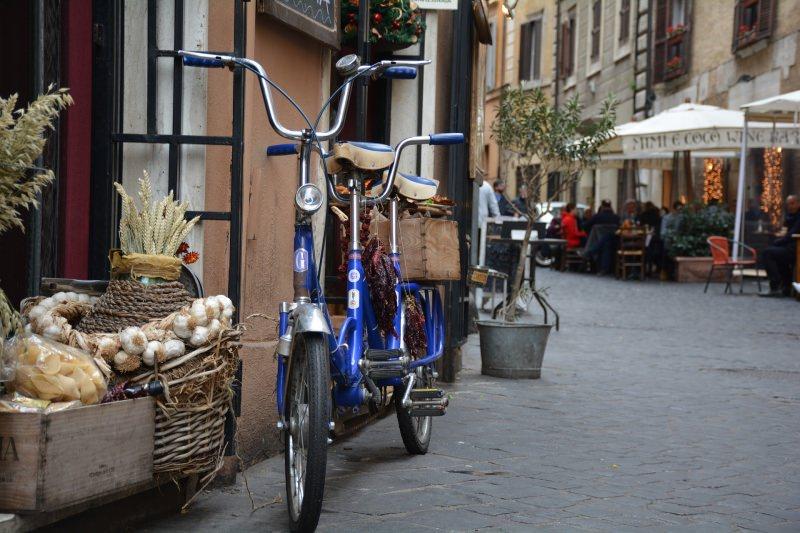 vicolo Roma tandem bici