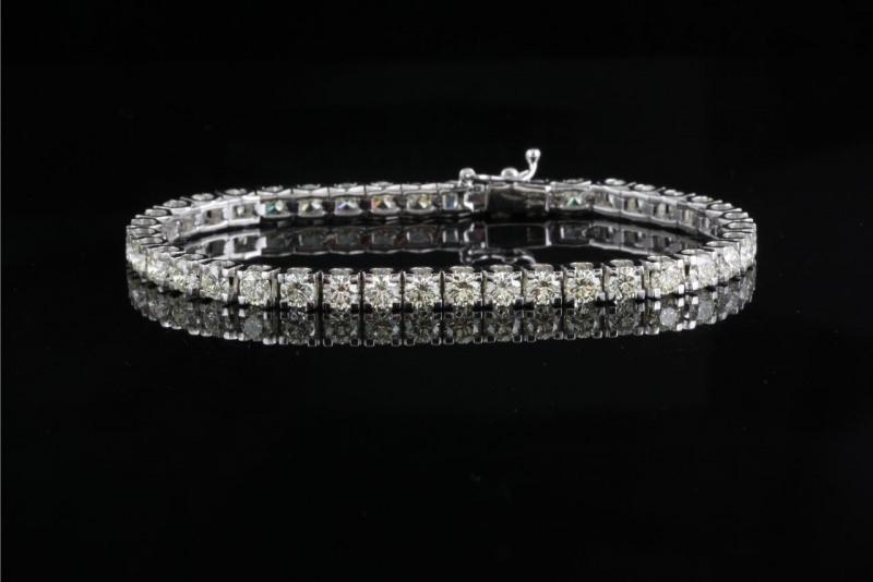 bracciale modello tennis con diamanti