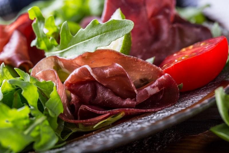 pomodorini con bresaola rucola spinaci