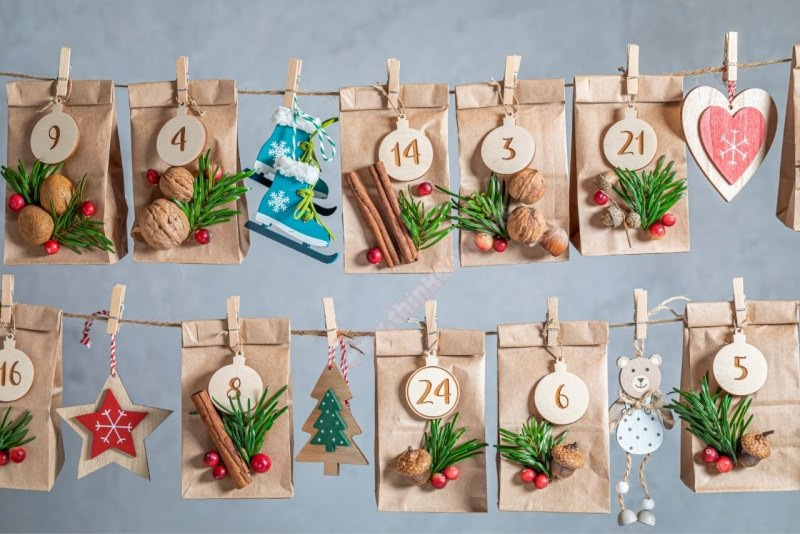 sacchetti carta kraft regalo calendario avvento frutta secca stecca cannella mollette spago