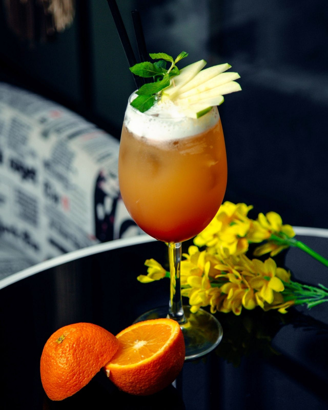 punche mela arancia bibta alcolica frutta cocktail