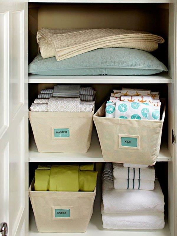 Guida pratica al cambio di stagione: tips and tricks come sistemare armadi contenitori box plastica etichette