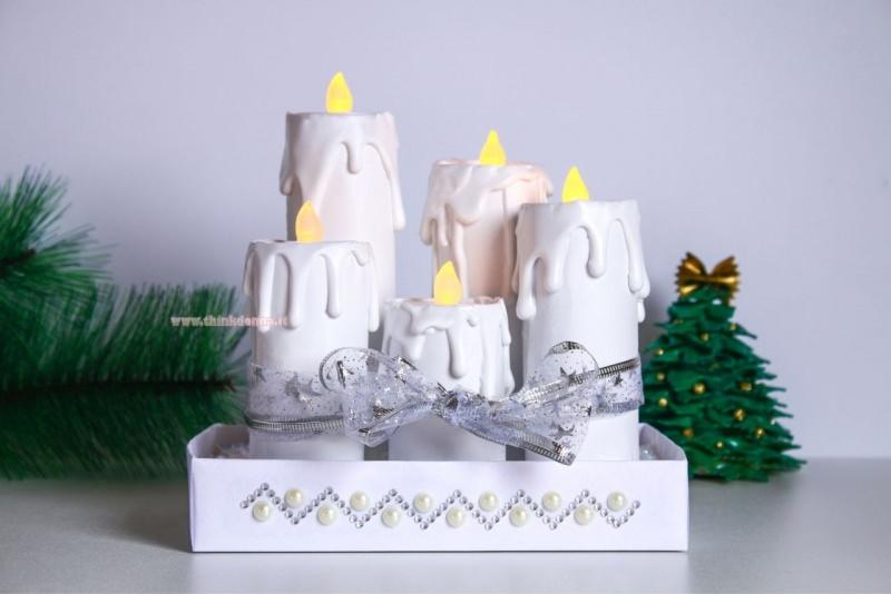 candele finte bianche tea light su cartone bianco perle strass nastro tulle argentato decorazione natale