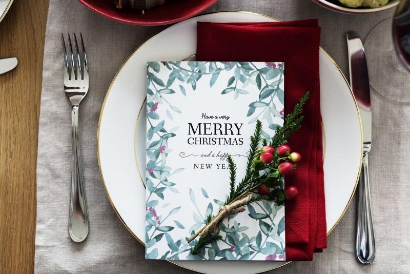 Come preparare il Natale in anticipo, mese di novembre il menù di Natale tavola mise en place piatto posate