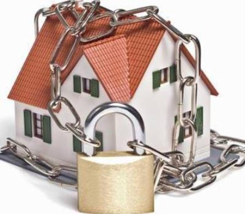 Come difendere la casa: 8 consigli per la sicurezza domestica protezione lucchetto catena