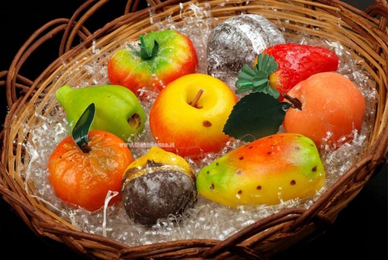 cesto con frutta martorana u cannistru