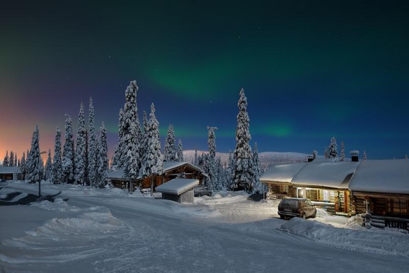 san valentino in lapponia aurora boreale chalet neve
