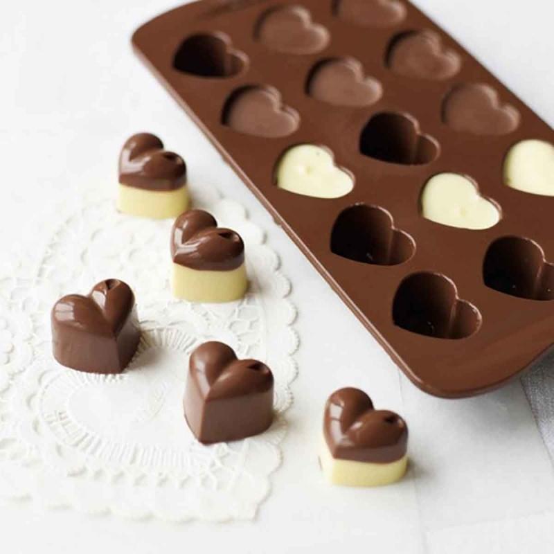 Come fare cioccolatini ripieni in casa cioccolatino al latte farcito cioccolata bianca stampo in silicone a forma di cuore cuori