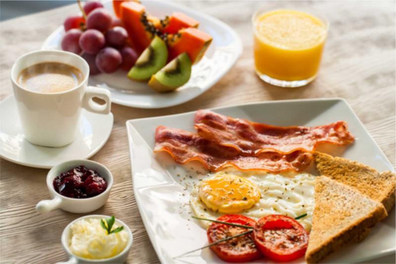 Colazione: quanto incide in una dieta?