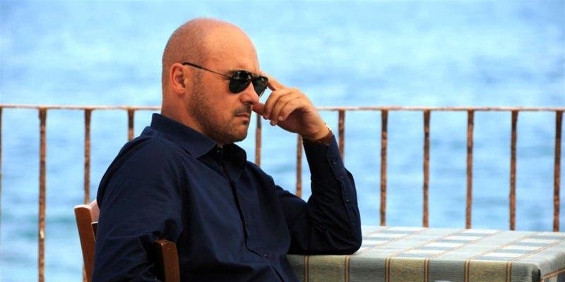 commissario Montalbano Luca Zingaretti Buon compleanno Maestro Camilleri! Grazie per le sue opere   Biblioteca delle Donne mare