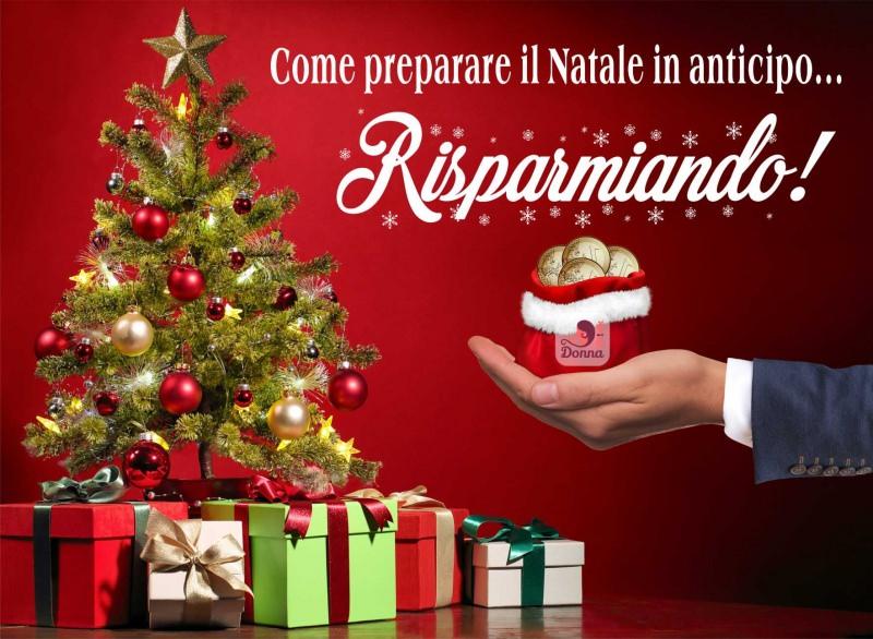 albero di natale decorazioni natalizie stella pacchi regalo palline colorate risparmio porta monete