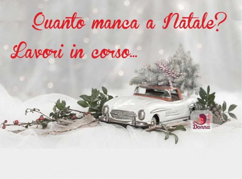 Come preparare il Natale in anticipo, mese di novembre quanto manca lavori in corso auto giocattolo mercedes vintage albero vischio neve