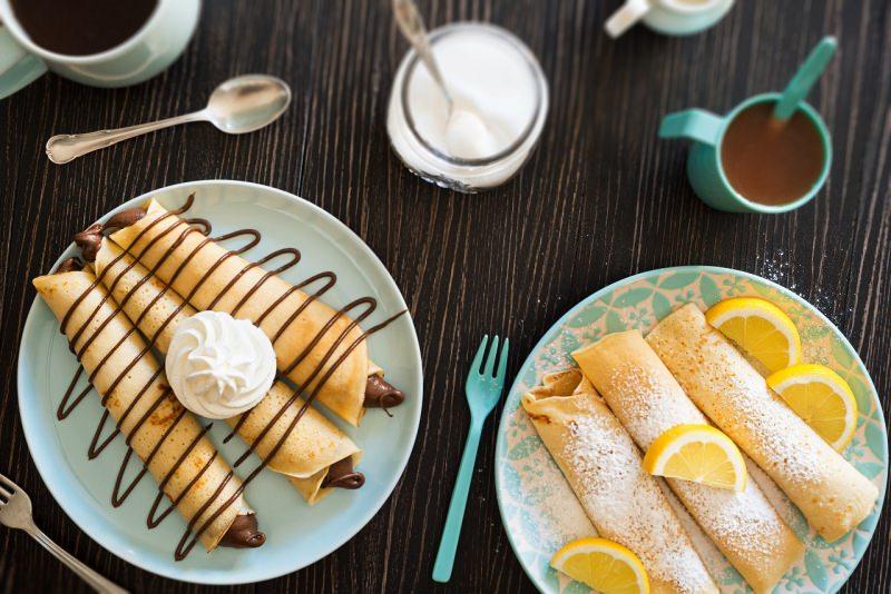 crepes dolci dessert piatto pronto nutella fiocco panna zucchero a velo fetta arancia