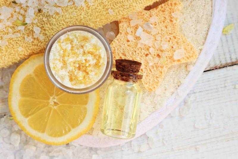 scrub sale fetta limone spugna forma di stella boccetta olio essenziale SPA