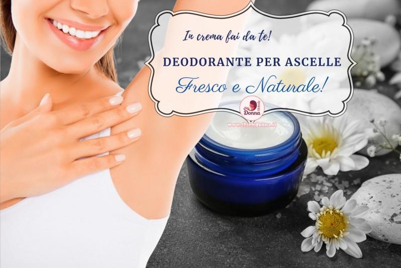 viso donna sorridente mostra ascella pulita vasetto vetro blu deodorante in crema fai da te fiori