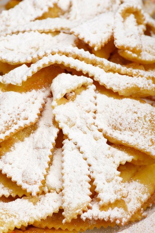 chiacchiere cenci dolci fritti di carnevale