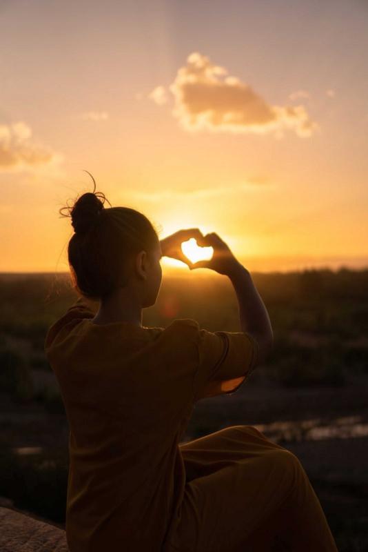 amore cuore sole donna