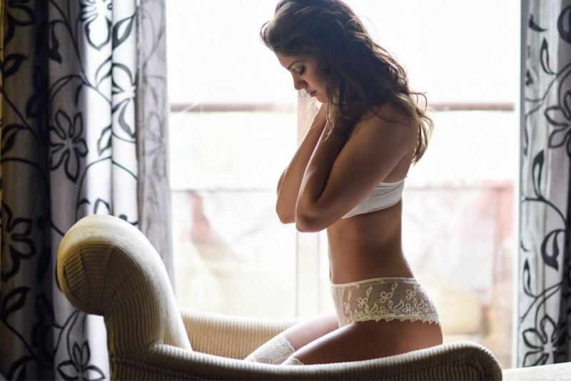 donna in biancheria intima sexy mutandina brasiliana
