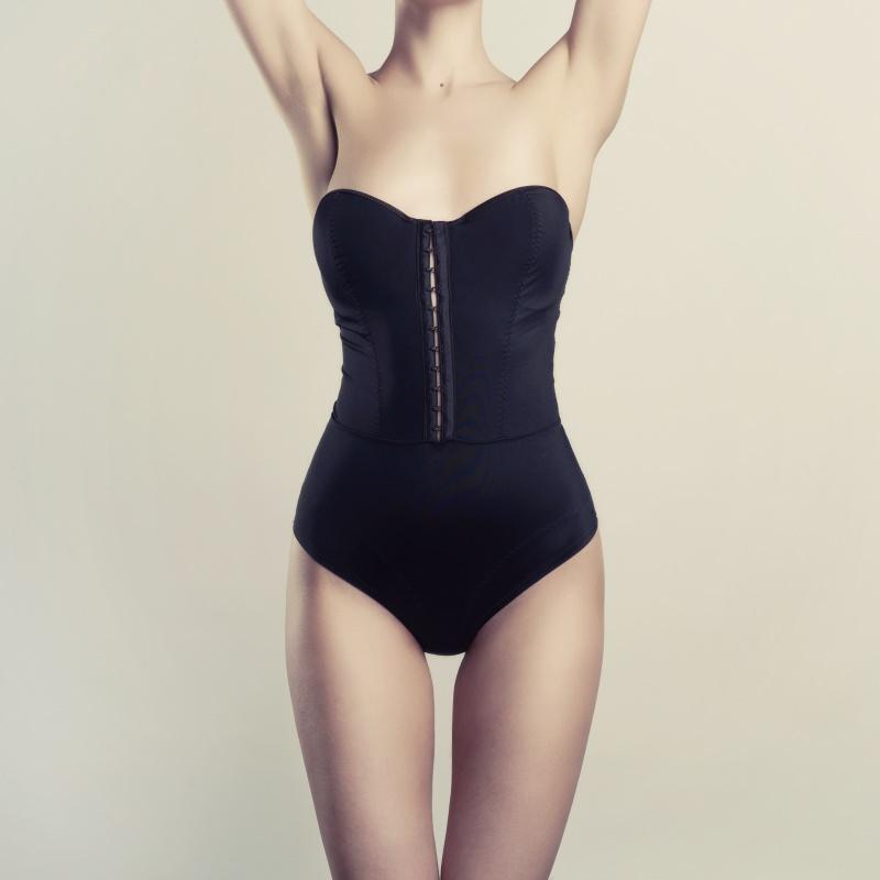 corpo donna biancheria intima modellante nero