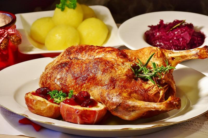 Ricetta | Secondi di Natale | Arrosto Anatra Ripiena al Forno patale piatto pronto rosmarino