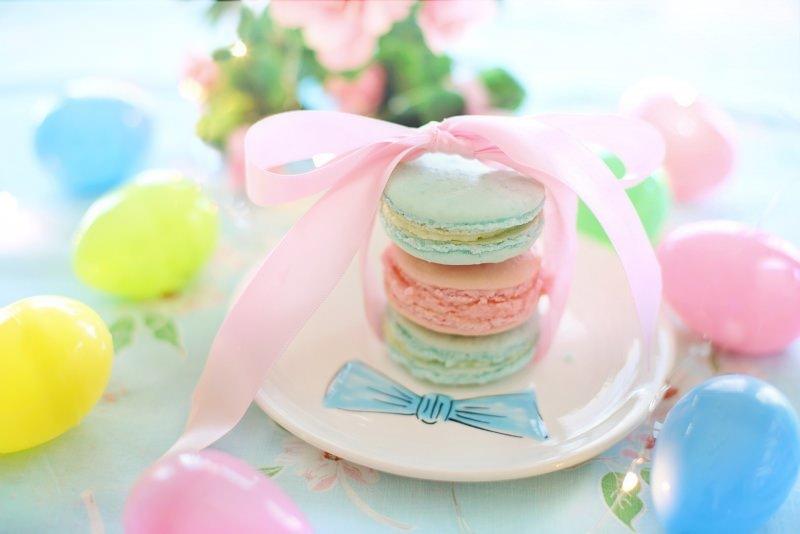 Dolci di Pasqua   I macarons fatti in casa, belli e buoni anche da regalare colori pastello tavola