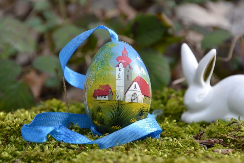 Foto libera Pixabay uovo di Pasqua dipinto decorato nastro azzurro