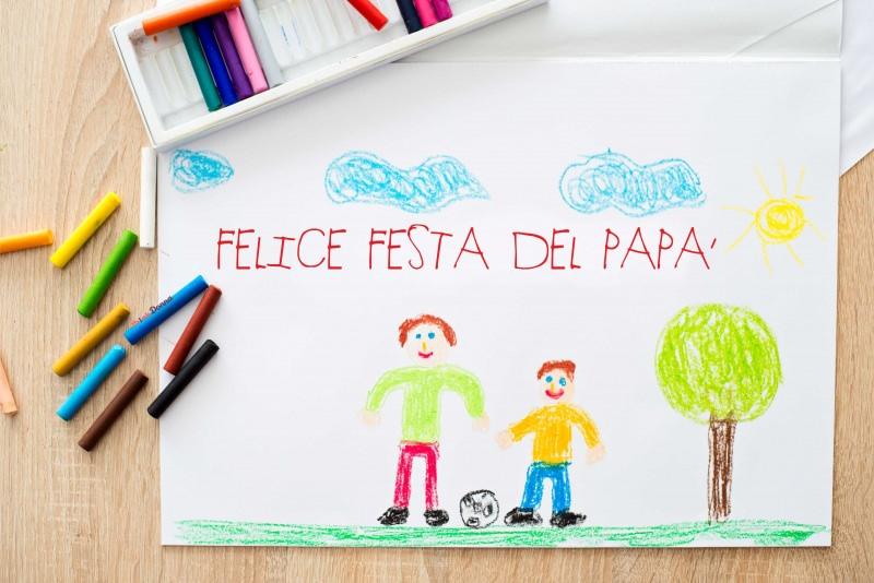 biglietto auguri con colori pastello gessetti cera disegno bambino festa del papà