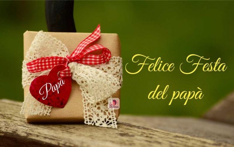 19 marzo, i migliori messaggi d'auguri per la Festa del papà pacco regalo auguri