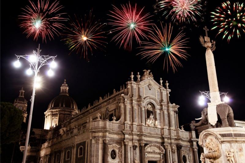cattedrale di Catania festa di sant'Agata fuochi d'artificio