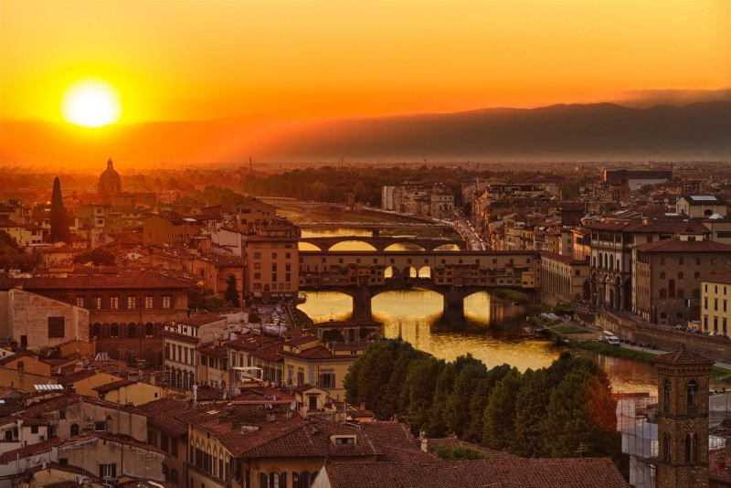 Ponte Vecchio fiume Arno tramonto bellissimo Firenze