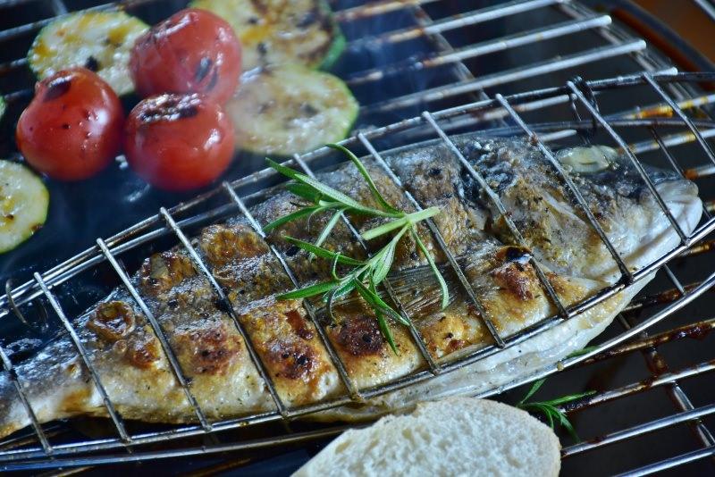 grigliata di pesce pomodori