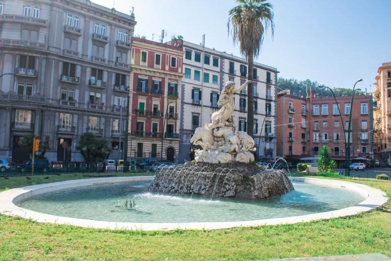 La fontana della Sirena, Napoli