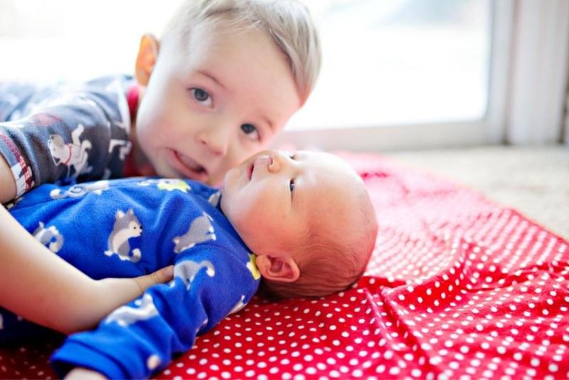 bambino gelosia fratellino neonato