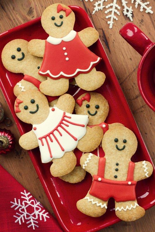 omini di pan di zenzero gingerbread men vassoio biscotti