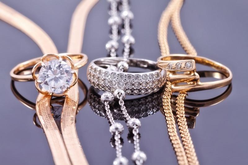 anello con diamante brillantigioielli oro