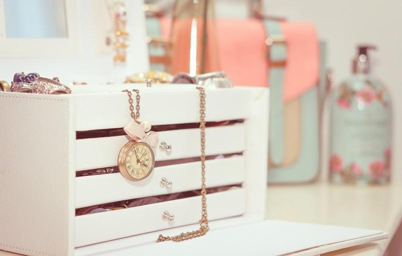 contenitore con cassetti per gioielli portagioie oro anelli collane orologio da taschino