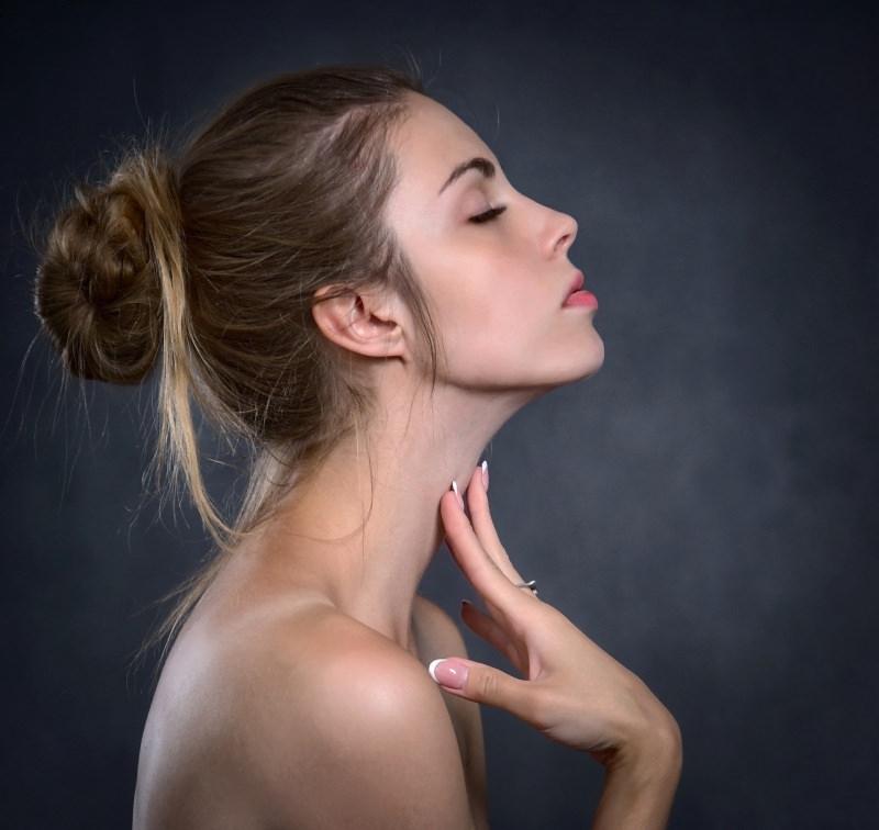 viso donna profilo