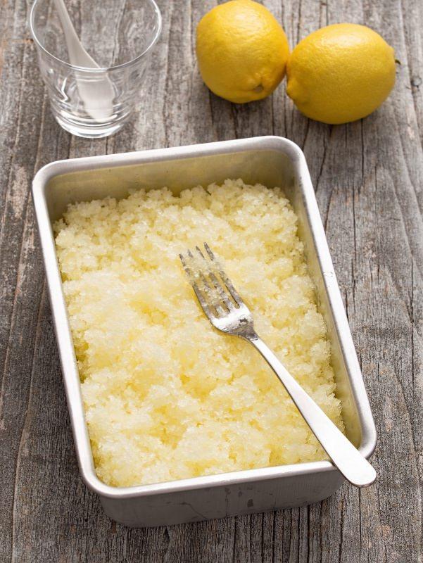 granita di limone siciliana fatta a casa