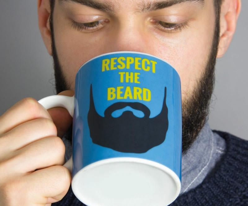 5 idee regalo per lui per i suoi 30 anni mug respect the beard viso uomo hipster barba tazza