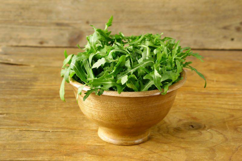 rucola ciotola insalata verde